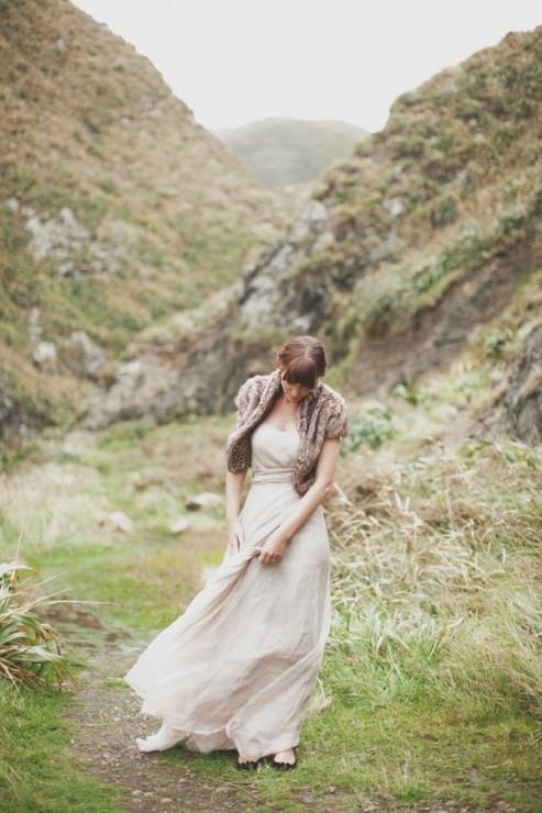 new-zealand-cliffs-wedding-bride-fur-cover-up-mountains
