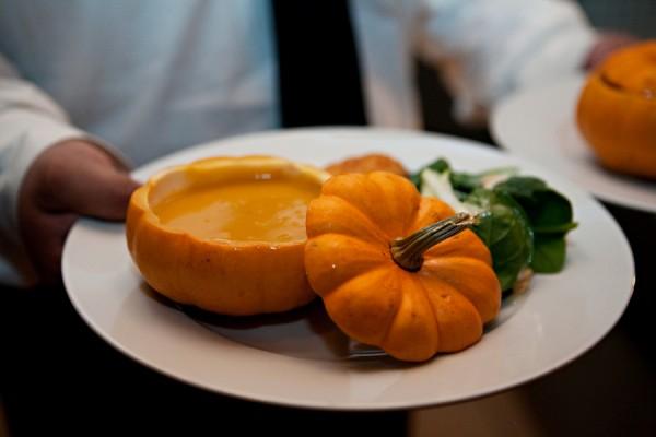 Mini-Pumpkin-Soup-600x400